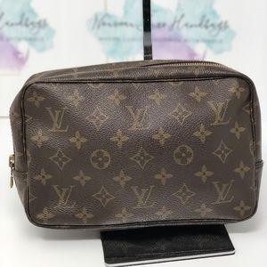 Louis Vuitton trousee 23